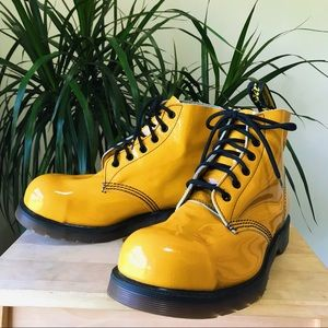 Dr. Martens • Yellow Patent Leather Ankle Boots 7